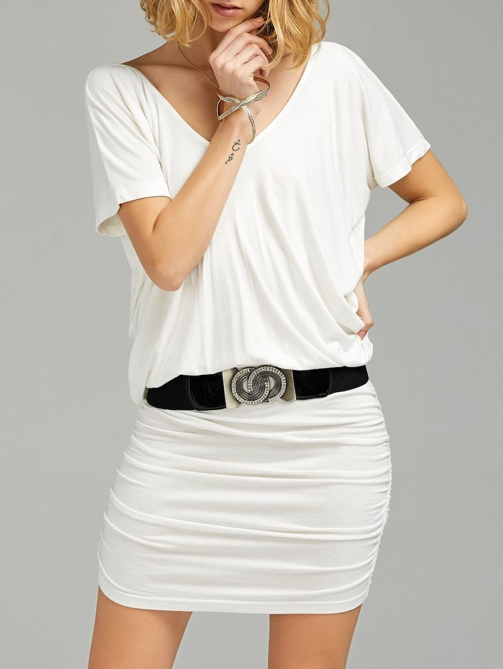 V neck ruched tshirt dress with belt