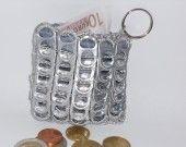 Porte monnaie en capsules de canette recyclees