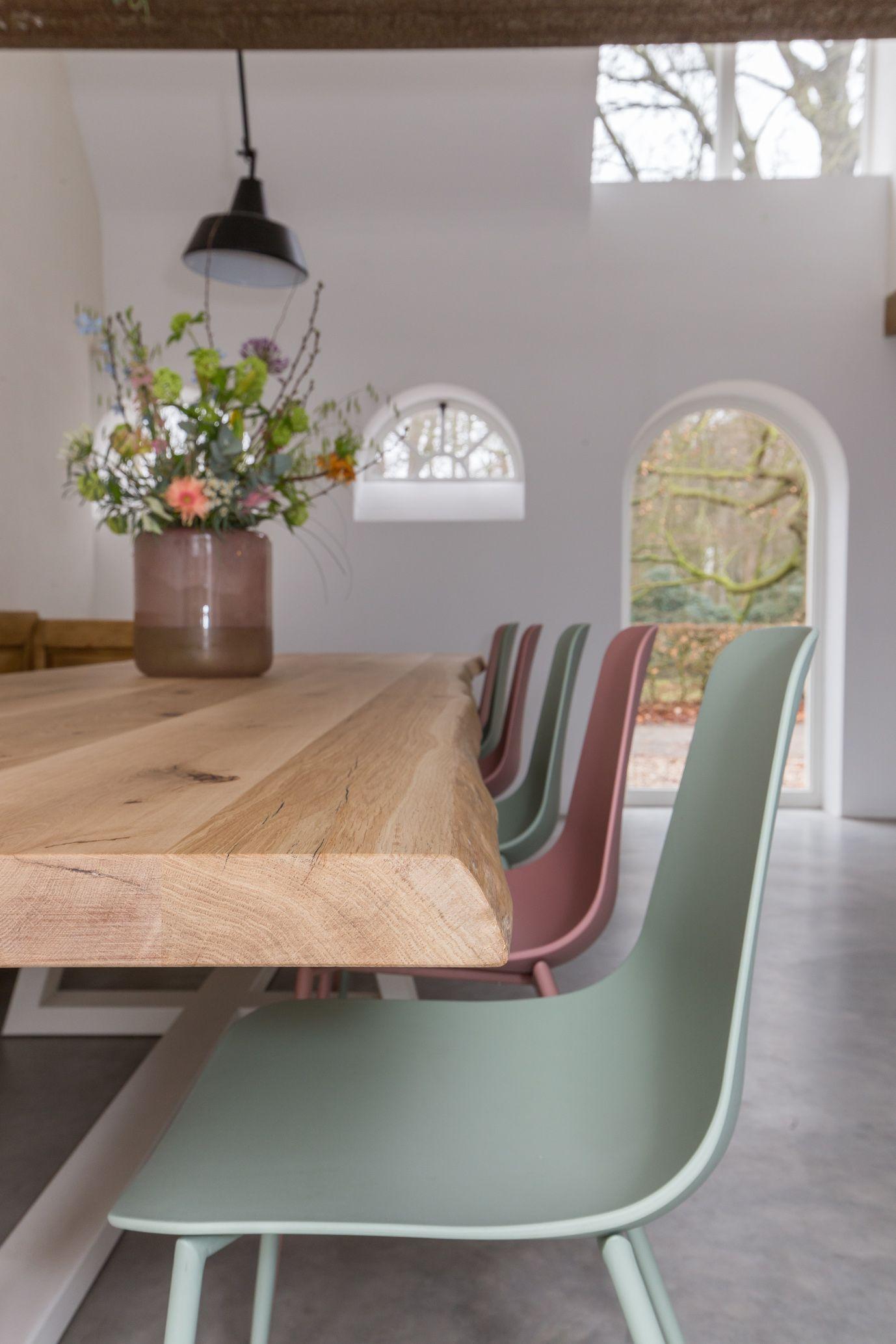 Boomstamtafel Met Wit Onderstel.Portfolio Projecten Tafels I Zwaartafelen Basement Furniture