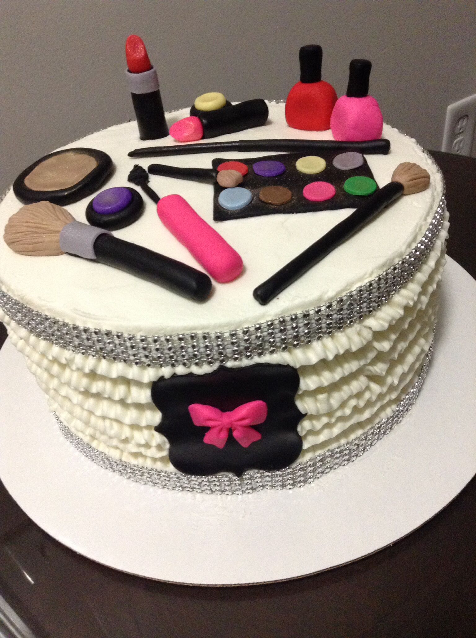 Makeup cake Cakes Pinterest Makeup cakes and Cake