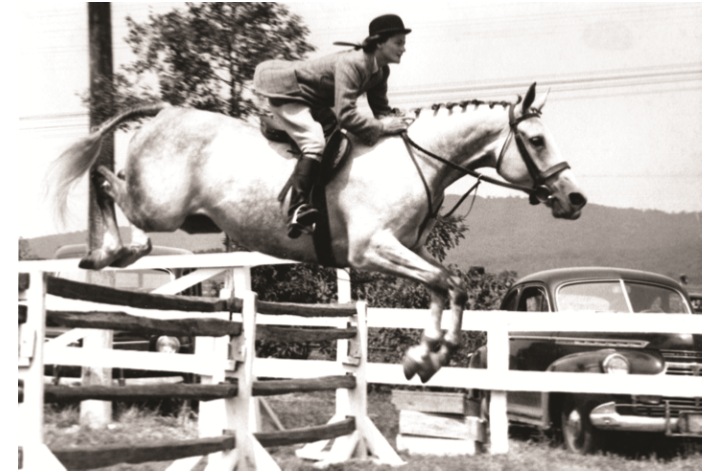 Ellie Wood Baxter was in high demand as a show rider on horses like Mrs. Page Jennings' Icecapade at the 1946 Keswick Horse Show (Va.
