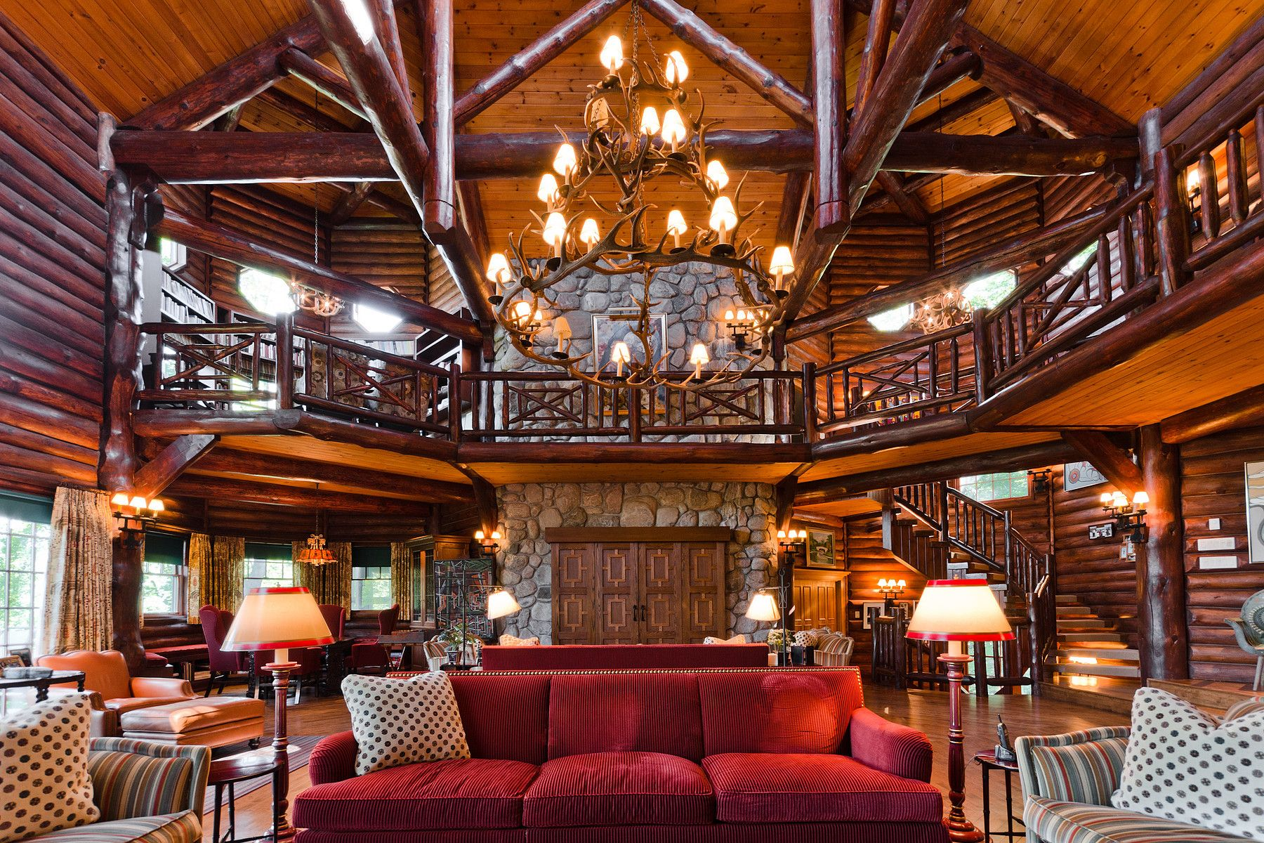 Million dollar views the most expensive log homes for for Extravagant log homes