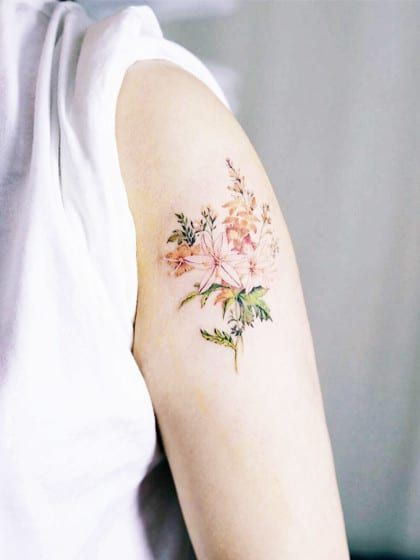 Blumen-Tattoos: Ob bunt oder schwarz-weiß, klein oder groß - diese ...