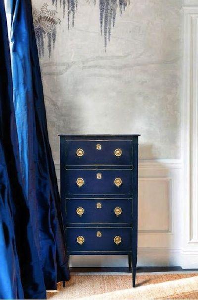 Peindre Ses Meubles En Bleu Tous Styles Decoration Du Bontemps Meubles Peint En Bleu Mobilier De Salon Meuble Fin