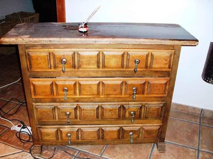 De mueble castellano a shabby chic antes pintura - Muebles castellanos antiguos ...
