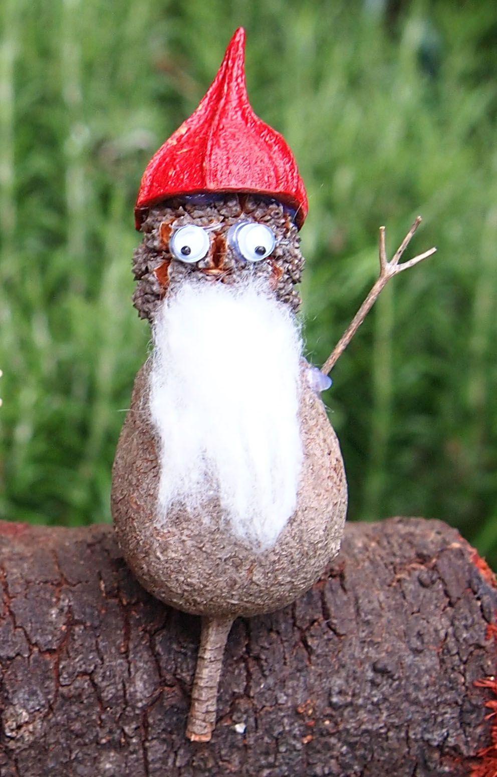 Nature craft gumnut Santa made from gumnut, sheoak pod