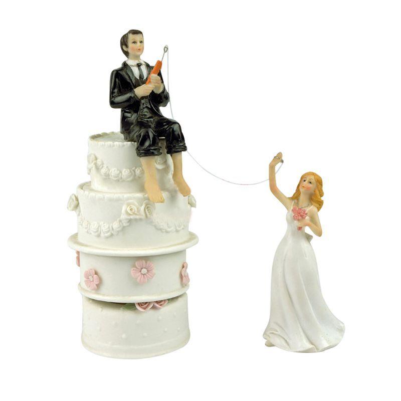 1 pair of white black resin groom sitting cake cake