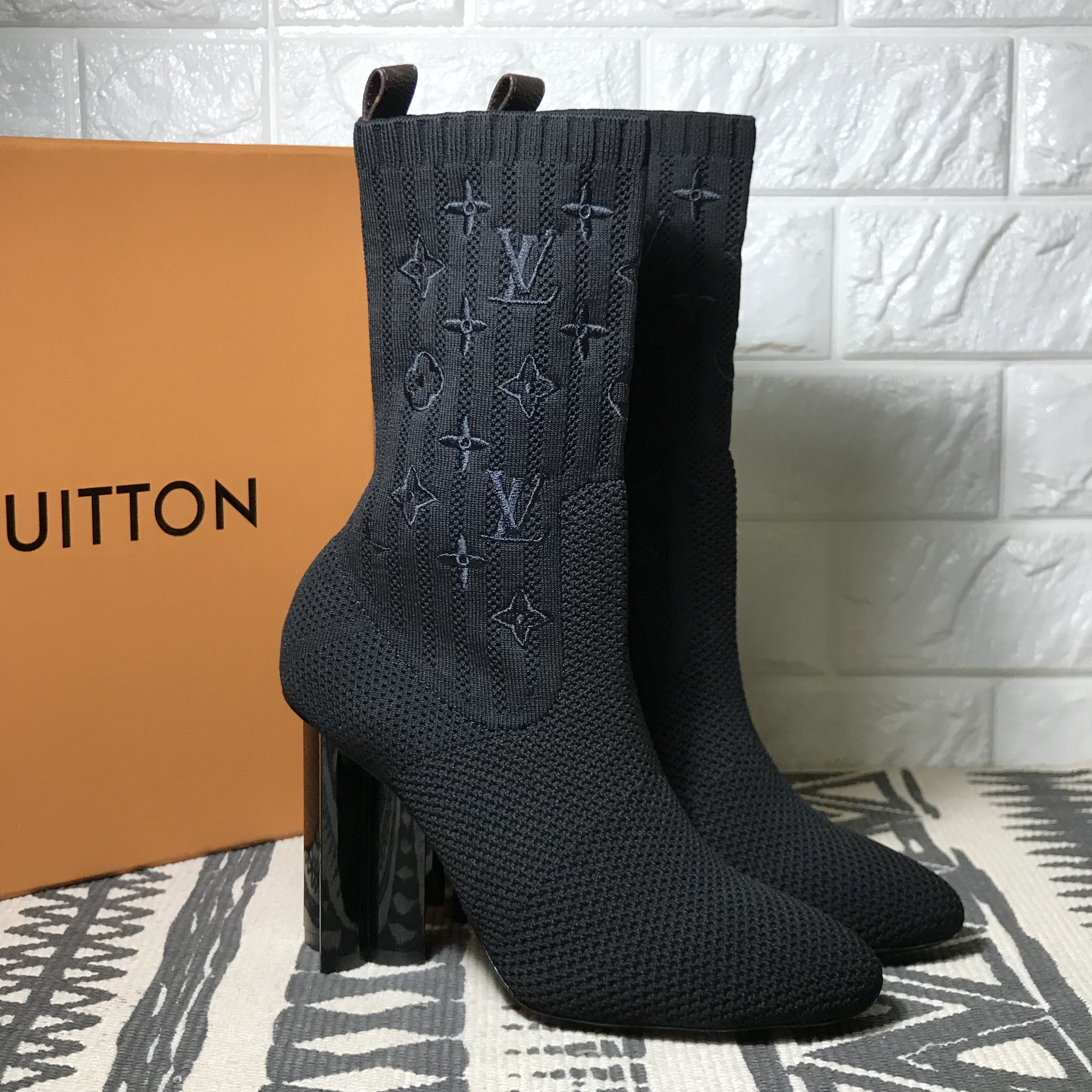 e3eb20b3873c Louis Vuitton lv woman shoes knitted sock boots
