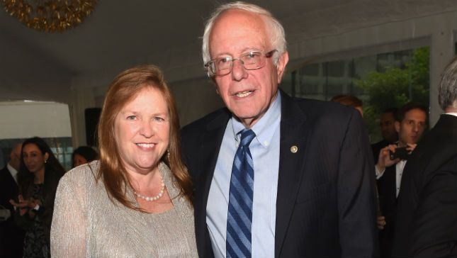 Sanders Skips The Tux At Whcd Summer House North Hero Tux