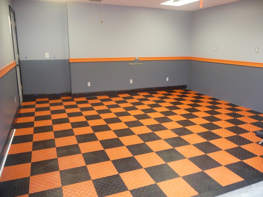 Harley color carpet tiles - Harley Man Cave 8 Photo New Garagetrac Floor Just Finished
