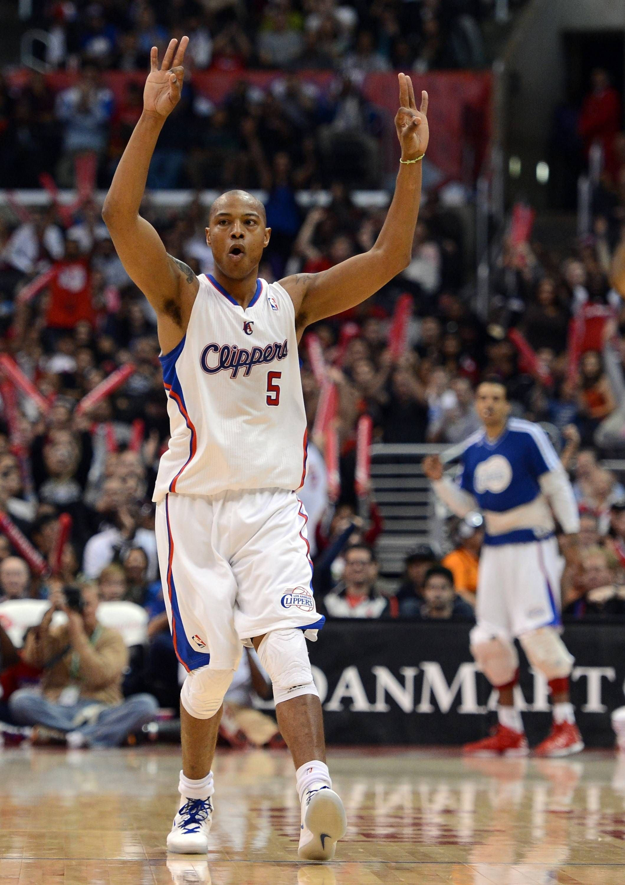 Los Angeles Ca December 09 Caron Butler 5 Of The Los Angeles Clippers Reacts To A Three Pointer By Jamal Los Angeles Clippers Toronto Raptors Nba Players