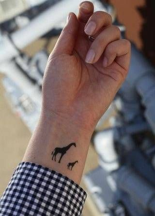 Siempremujer Com Jirafa Tatuajes De Jirafa Tatuajes Bebe Tatuajes Para Mamas