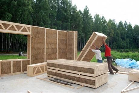 Manutention panneaux de paille STRAW BALE HOUSES Pinterest