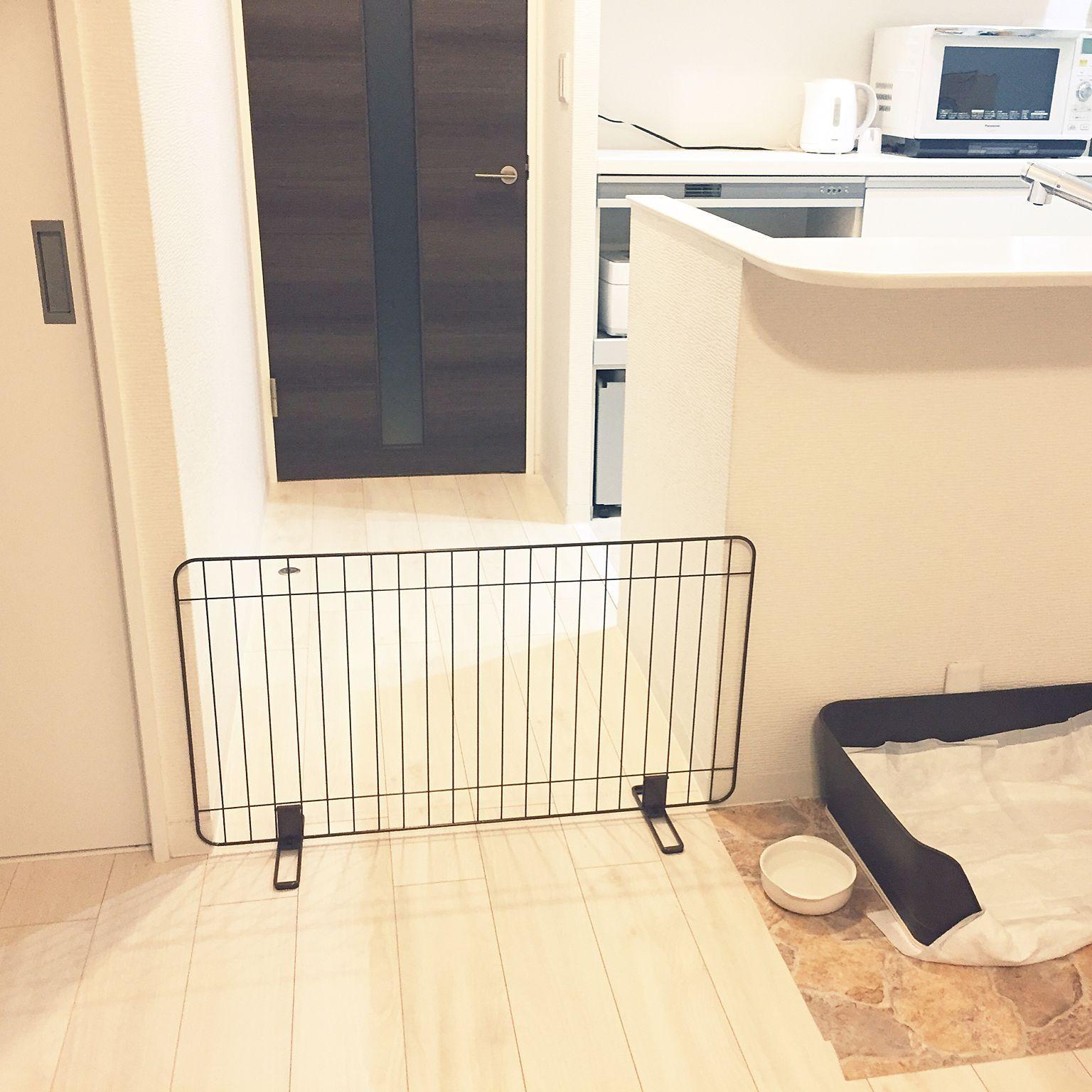 リビング 楽天で買ったもの 犬のトイレ ペットフェンス カウンター下に犬のトイレスペース などのインテリア実例 2017 08 07 23 17 39 Roomclip ルームクリップ 犬のトイレ インテリア インテリア 実例