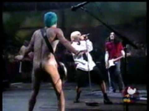 Red Hot Chili Peppers - Give it Away (Live @ Woodstock 99