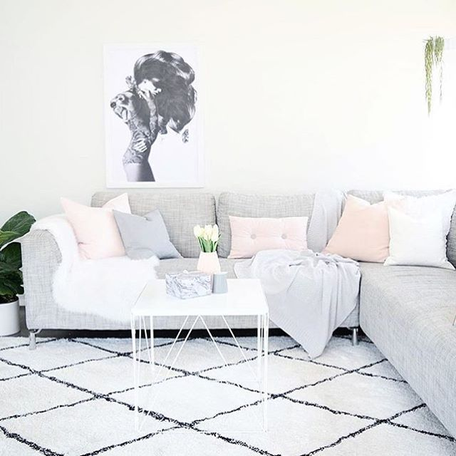 For The Love Of Kmart On Instagram Thedesignminimalist Has Styled The Kmart Faux Fur Rug To Interior Design Bedroom Small Home N Decor Living Room Pillows