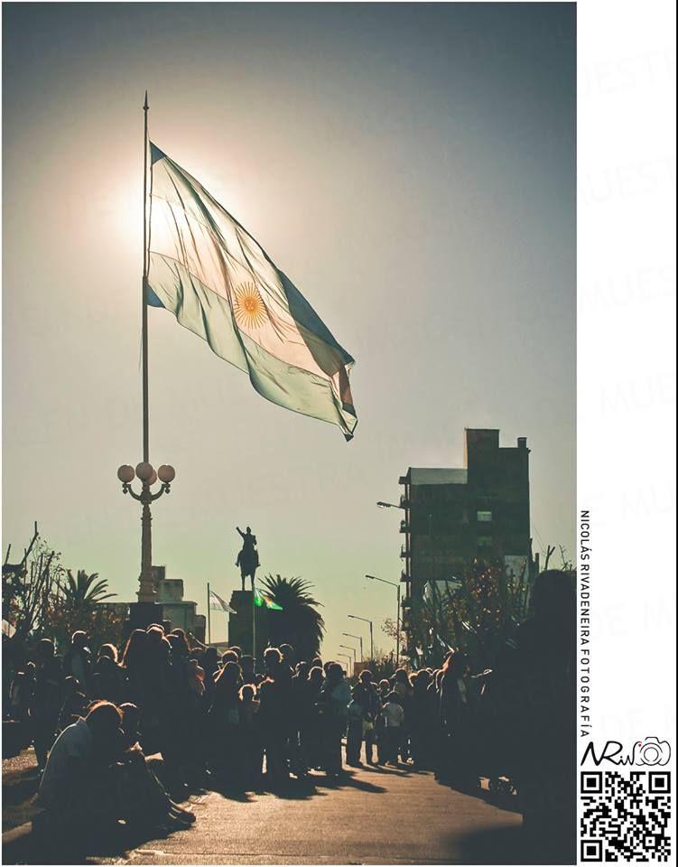 #NRivFotografia | #25demayo, #bolivar.   ¡Felíz día de la patria!