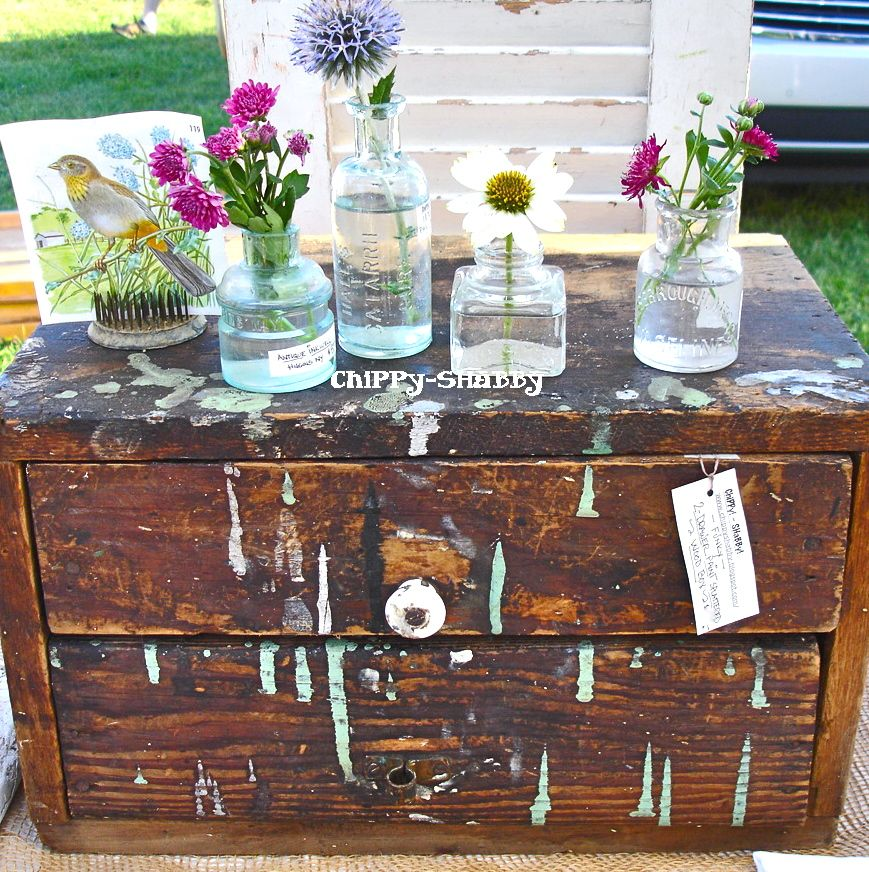 I LoVe One-Of-Kind ViNtAGe Finds!!!   Each Item tells a StoRy...   chipped... salvaged... tattered... worn...      My *ChiPPy-SHaBBy St...