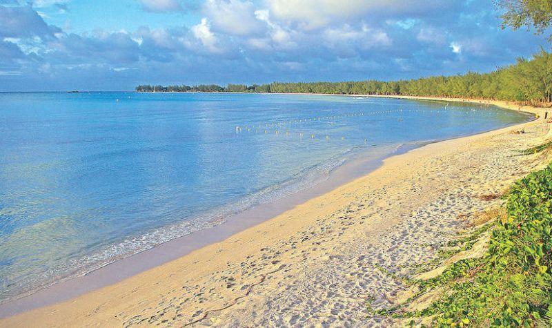 شاطئ مونت تشويسي بقرية غراند باي في موريشيوس Beach Mauritius Mauritius Island