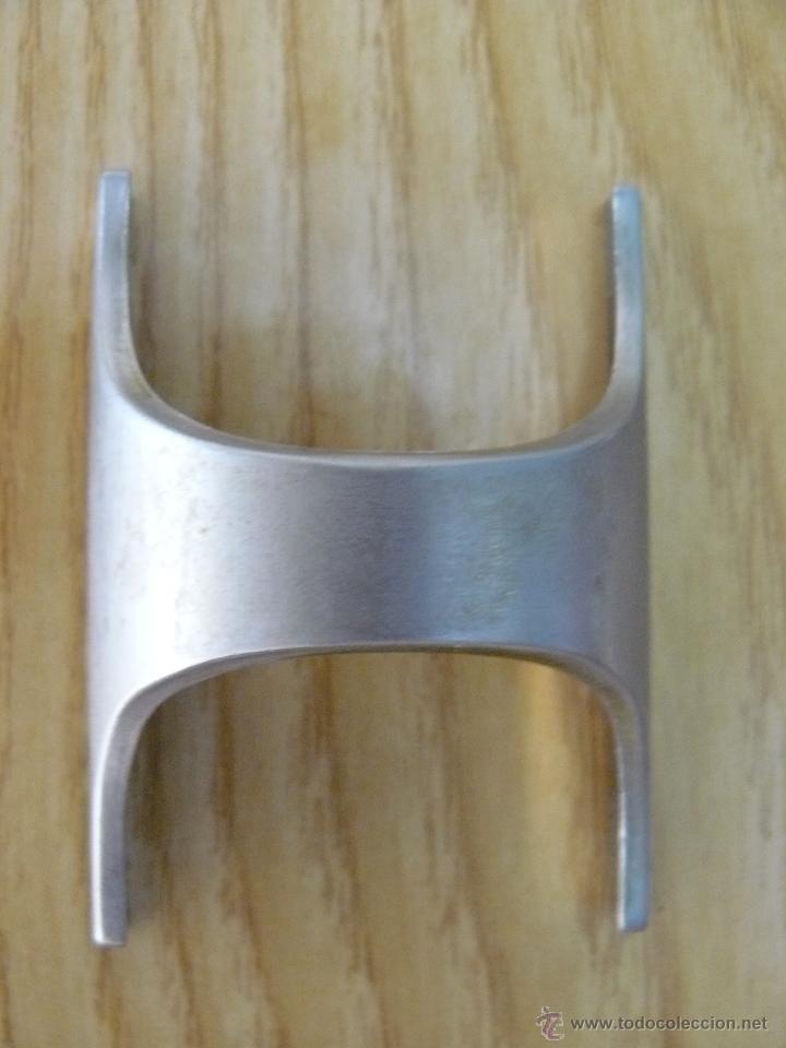 Tiradores de armario de cocina.color plata.años 60.dispongo de 17 ...