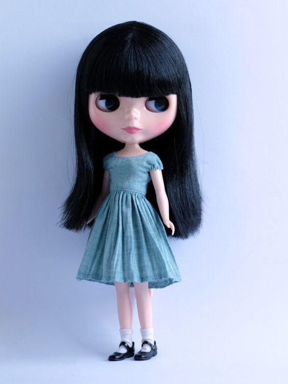 Dress pattern for Blythe dolls. Detailed by TirinAndKatten on Etsy