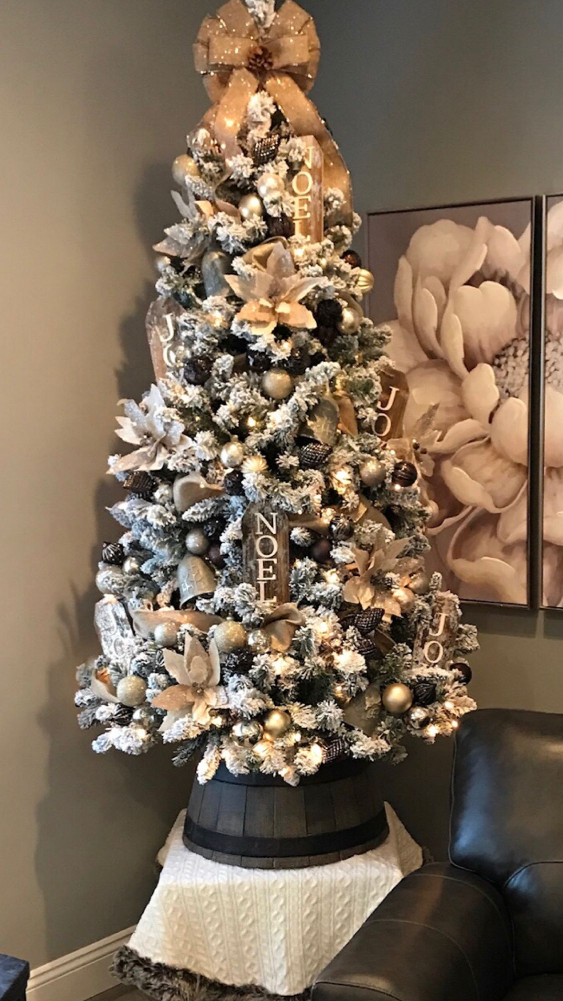 2017 Neutral & Trendy | Holiday decor, Christmas tree, Decor