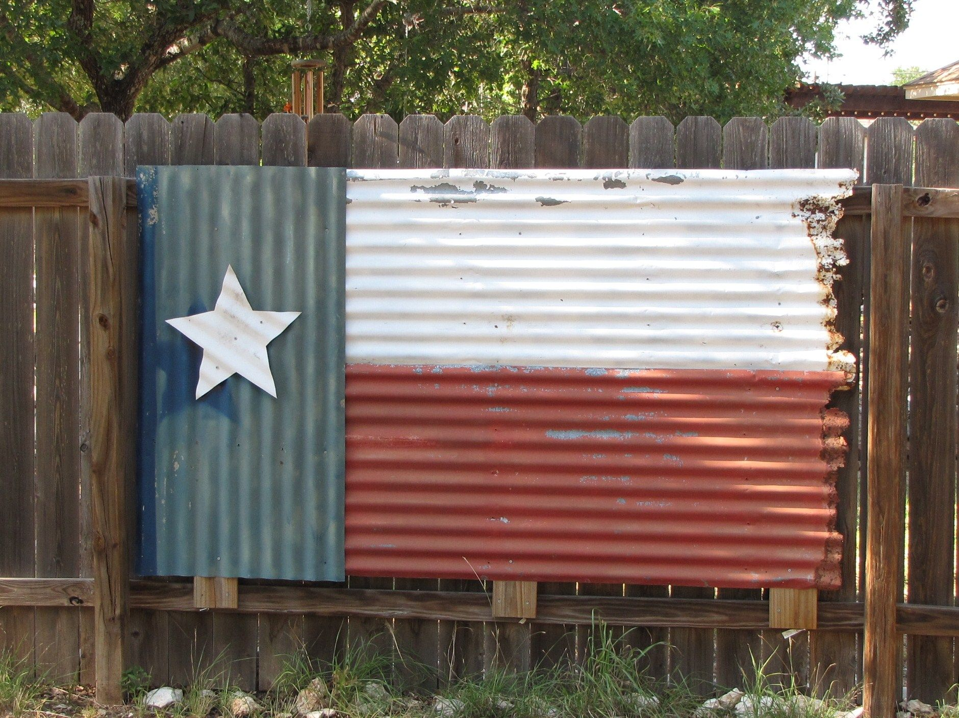 Painted Corrugated Roofing I Am So Making This Only American Flag Instead Of Texas With Images Fence Design Metal Fence Backyard Fences