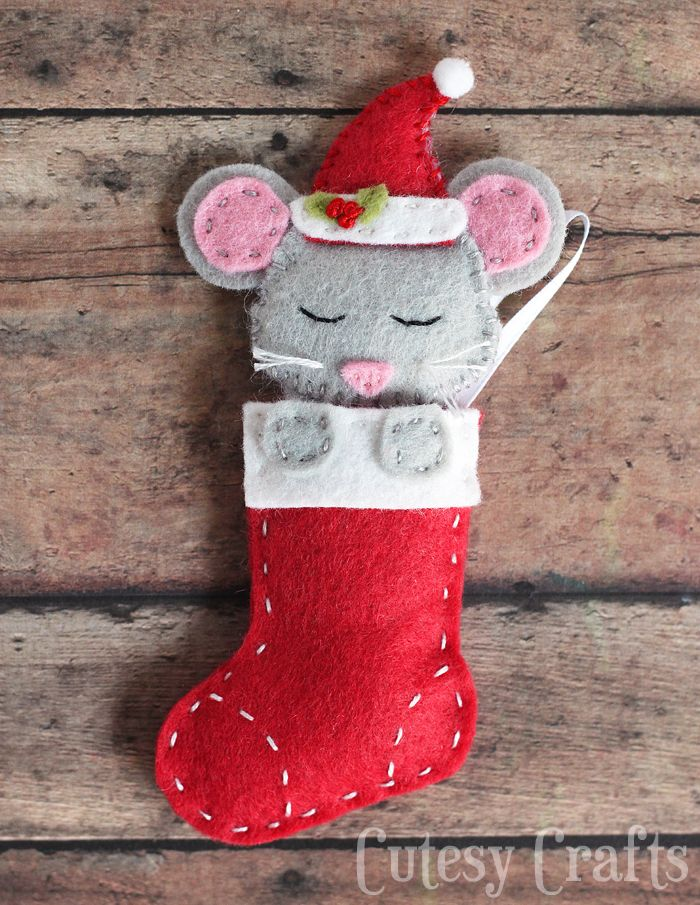 felt mouse christmas ornaments with a free pattern