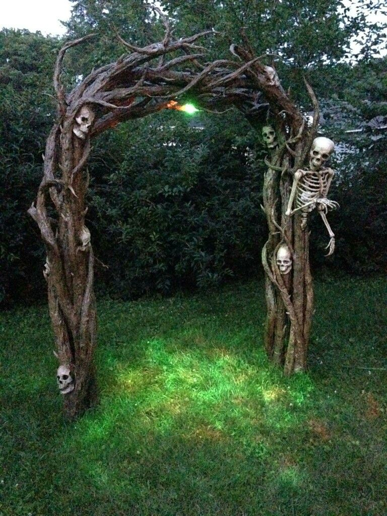 Pin by Carol Dugay on halloween Pinterest Funeral, Gardens and - Halloween House Decorating Ideas Outside