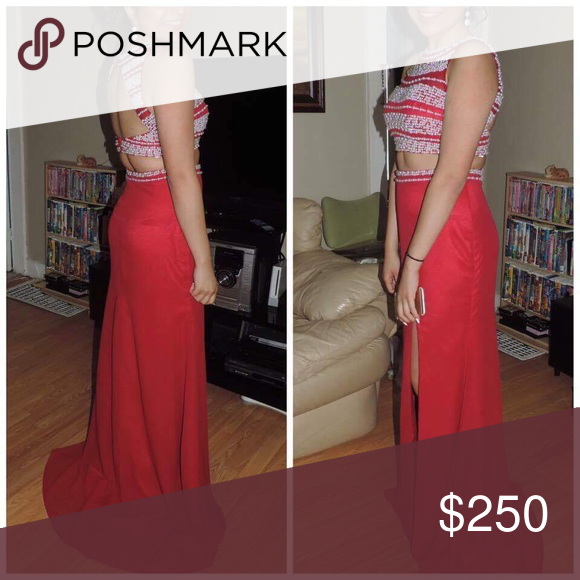 2 piece prom dress Smoke free house, only worn once, size 8 Dresses Prom