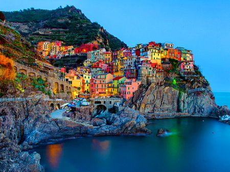 Images of beautiful houses in italy