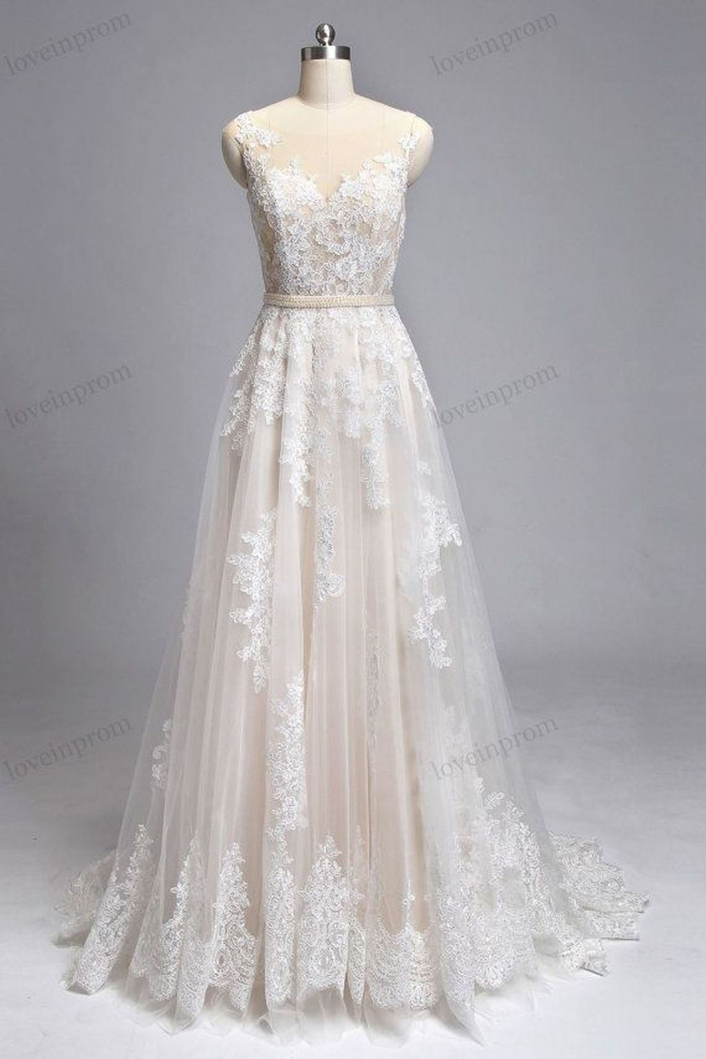elegant and vintage lace wedding dresses ideas pretty things