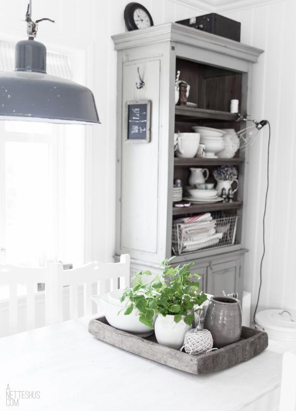 Ein Buffet oder einen Schrank grau streichen Home Inspiration - wohnzimmer streichen landhausstil