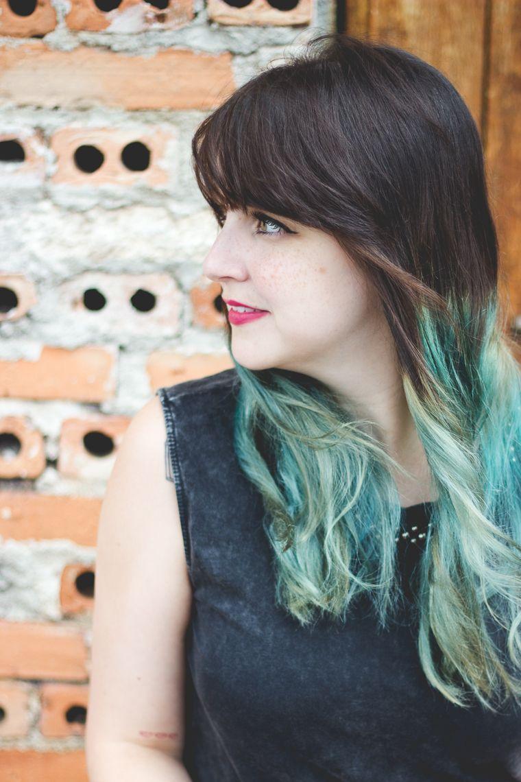 Melina Souza - Serendipity <3  http://melinasouza.com/2015/03/10/bricks-and-door/  Flats:Tutu Ateliê de sapatilhas  Bag: Kipling Skirt: C&A  Blouse: LOja EMME  #Kipling  #Melina Souza  #Hair