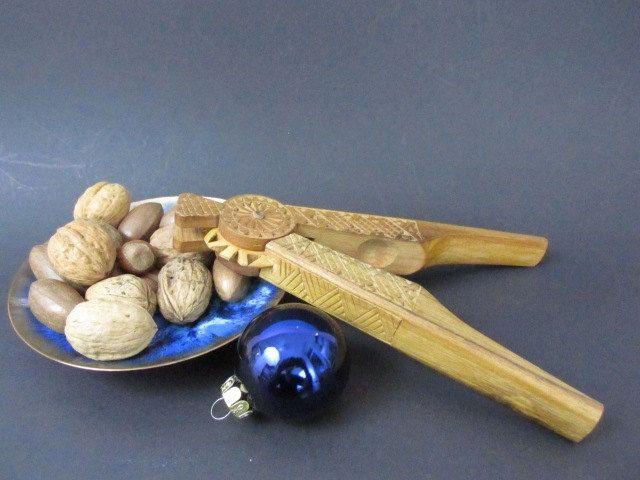 vintage wooden nutcracker vintage nussknacker aus holz 70s von shabbrockrepublic auf etsy. Black Bedroom Furniture Sets. Home Design Ideas