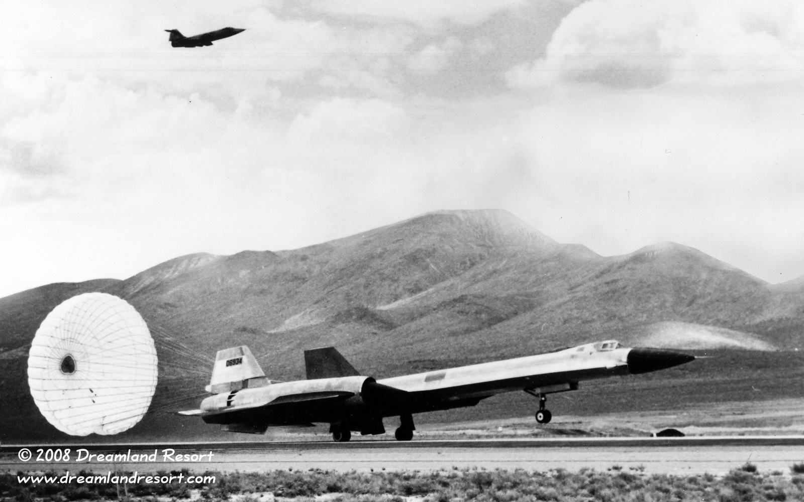 Oxcart Project Yf 12 934 First Landing Yf 12 Was The Public Mach 3 Fighter Program Disguise For The Lockheed Sr 71 Blackbird Lockheed Sr 71 Sr 71 Blackbird