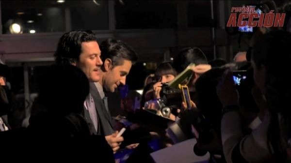 "Lee & Richard no Twitter: ""Longer video from DOS Madrid Premiere December 2013 with #RichardArmitage and #LukeEvans http://t.co/rer4fmOfy4 http://t.co/fM0Rcu8Xxt"" ."