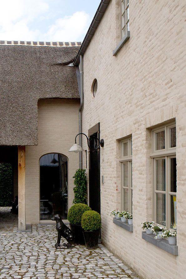 Pin van babette van hattum op huizen pinterest huizen geschilderde huizen en poorten oprit - Oude huis gevel ...