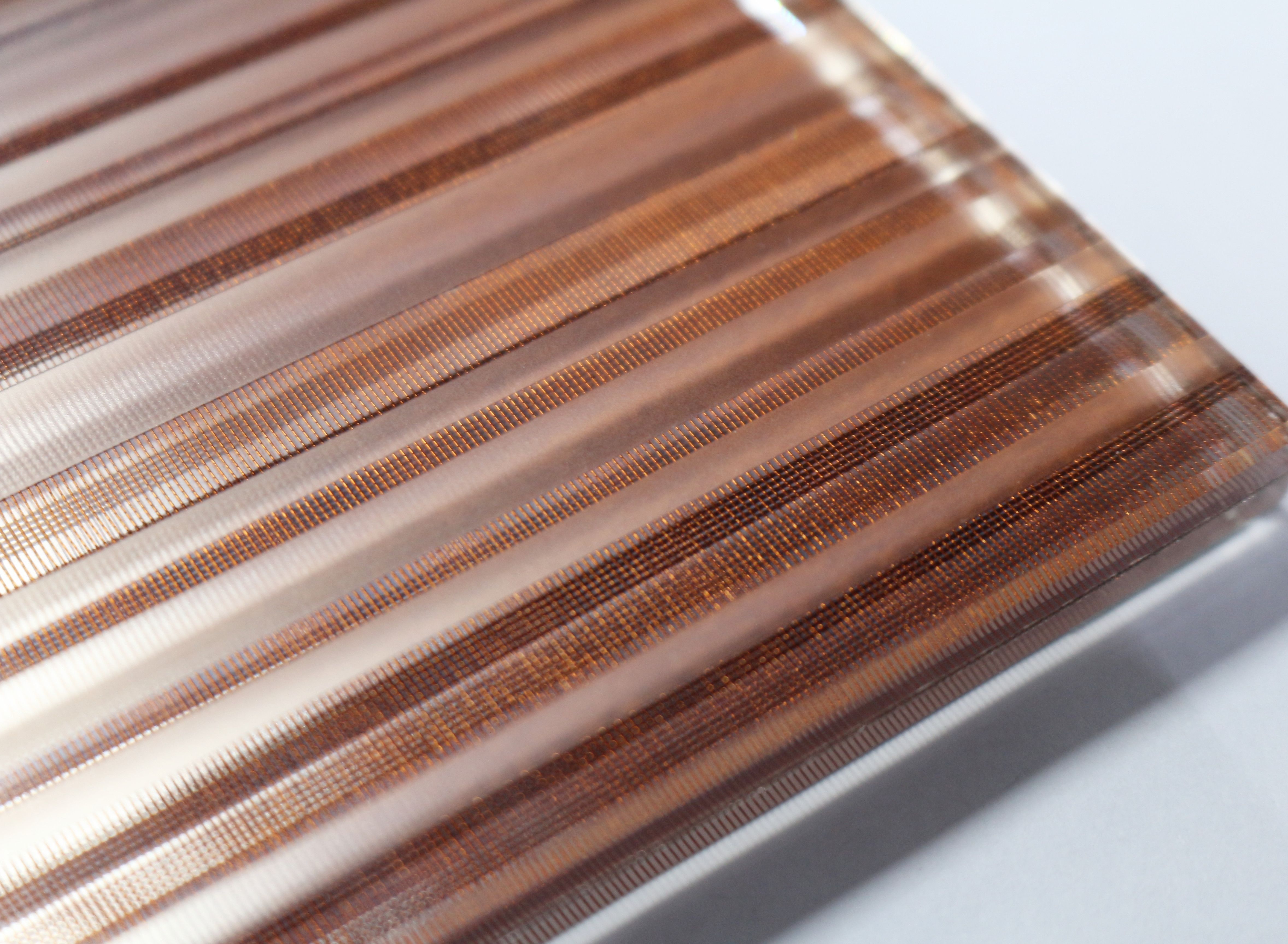 Fabric Laminated Glass Mixing The Customize Texture Pattern On Surface Creating A Metallic Surface Finish Fabriclaminate Laminated Glass Glass Texture Glass