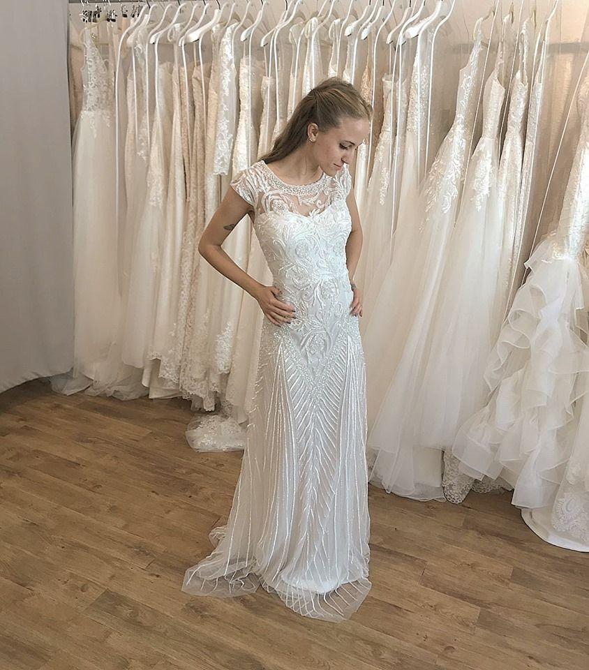 Brautkleid im 20er Jahre Stil mit Stickereien  Hochzeitskleider