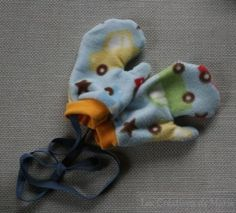 85933c8ecdf6d Réalisation de moufles en polaires pour enfant avec le pouce. Tutoriel pour  vous aider à