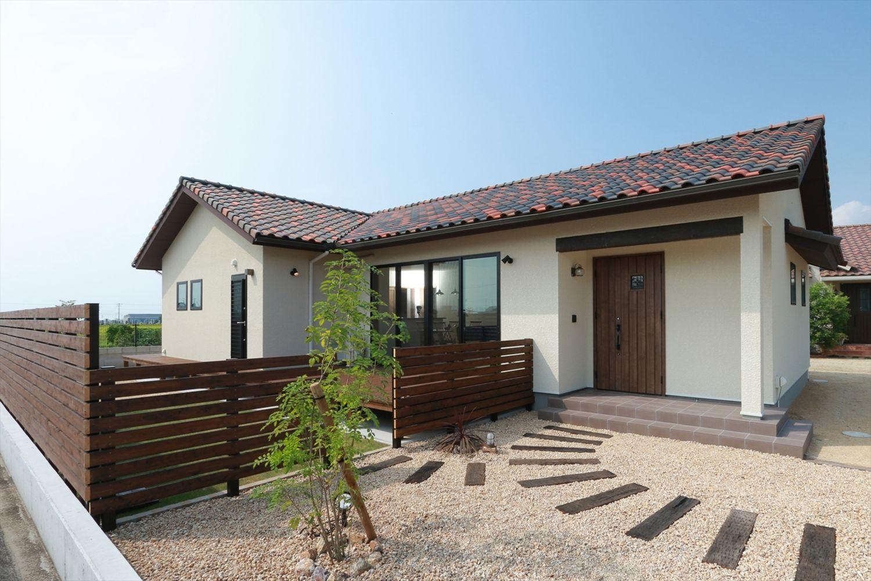 リゾートを感じる平屋の家 香川で自然素材の木の家 注文住宅を建てる