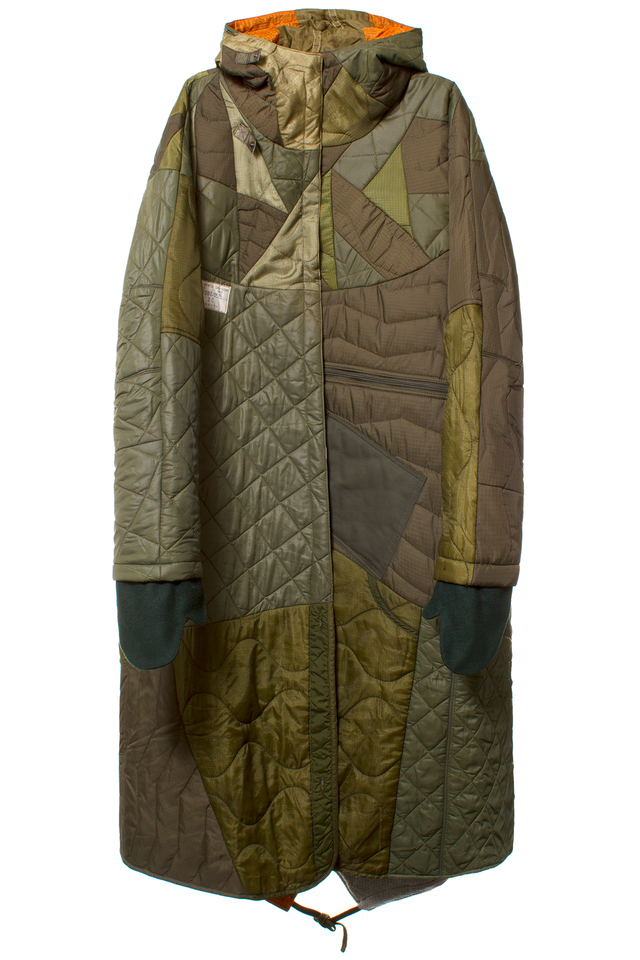 MAHARISHI OLIVE QUILTED TRI BORDER PARKA Olive fishtail long parka  featuring patchwork quilting, inside snap