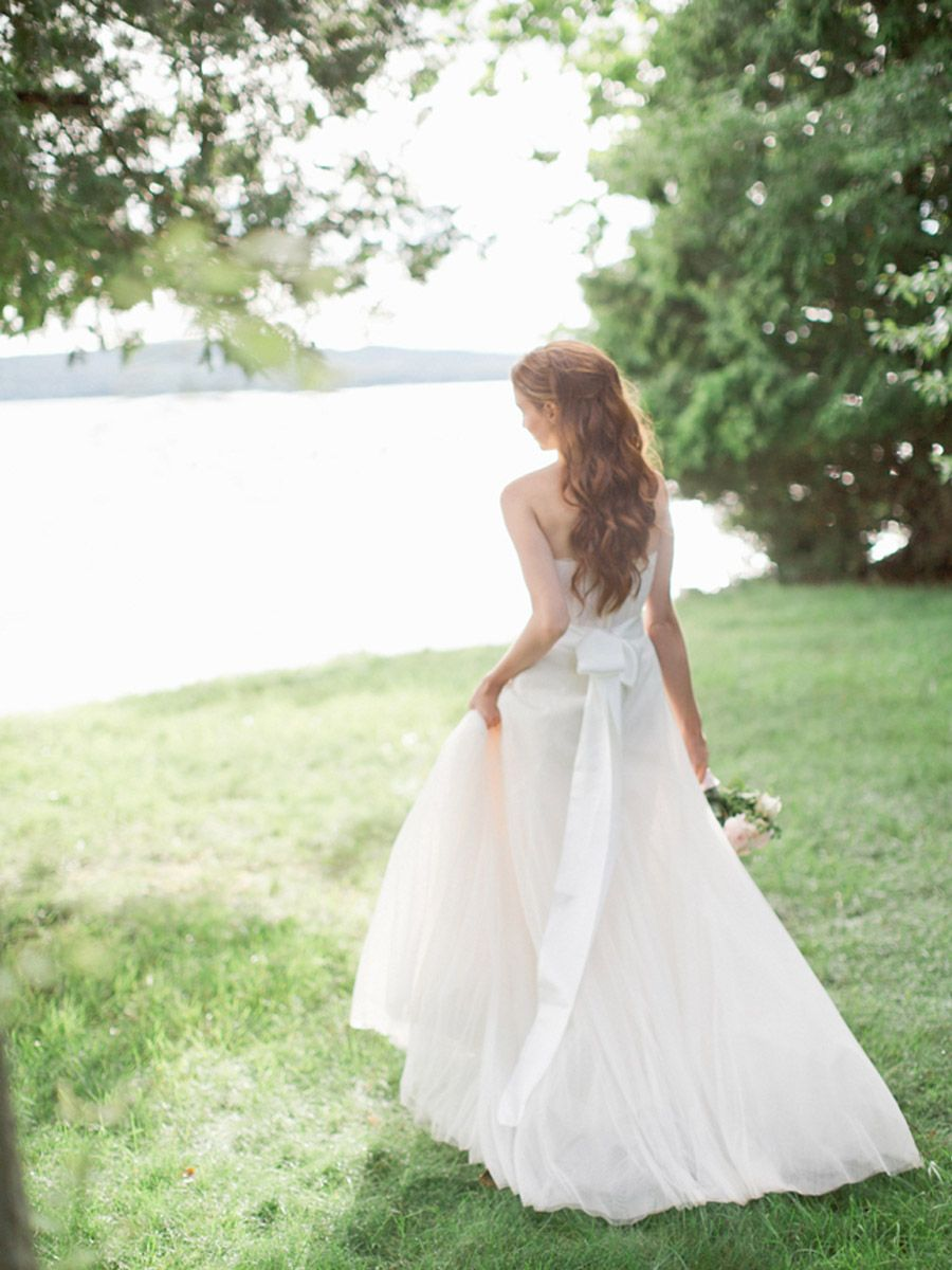 Hoy en el blog, una boda junto al lago.. http://www.unabodaoriginal.es/blog/y-comieron-perdices/anna-albert-boda-en-el-lago