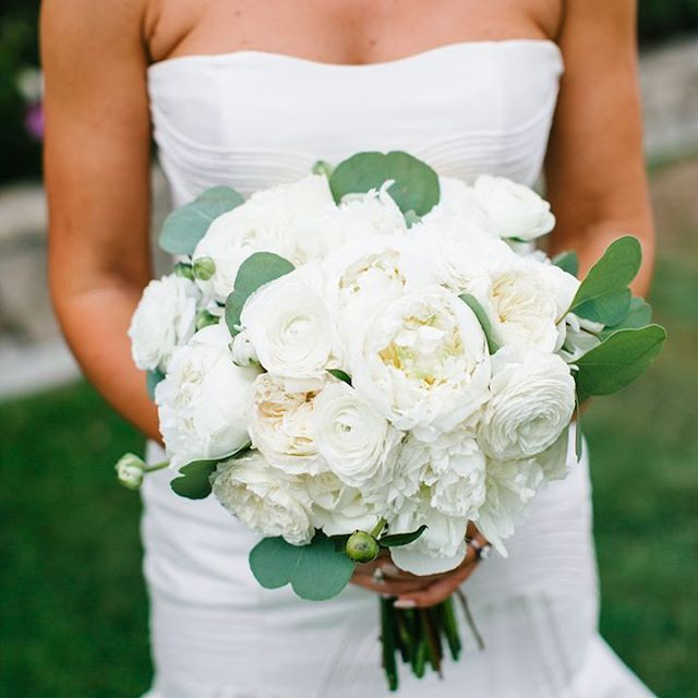 Merveilleux Www.littlehillfloraldesigns.com Bridal Bouquet, White Wedding, Peonies,  Ranunculus, Garden