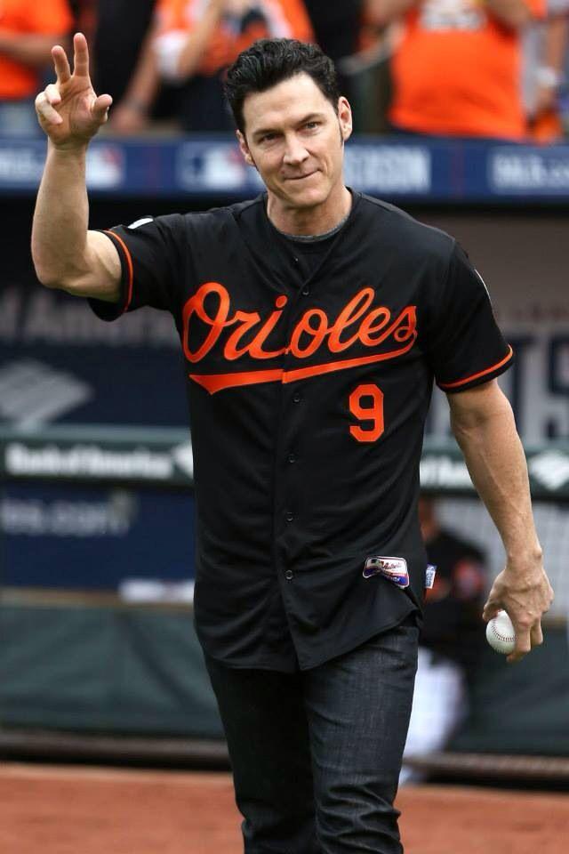 Brady Anderson throwing ceremonial 1st pitch 2014 ALDS Game 2 DETvsBAL @  Camden Yards | Baltimore orioles baseball, Orioles, Orioles baseball