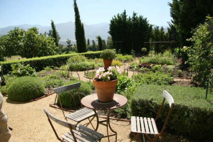 Keywords: Country,Farm Buildings,Film Kitchen,Formal Garden,French Provencal,Garden,Pool,