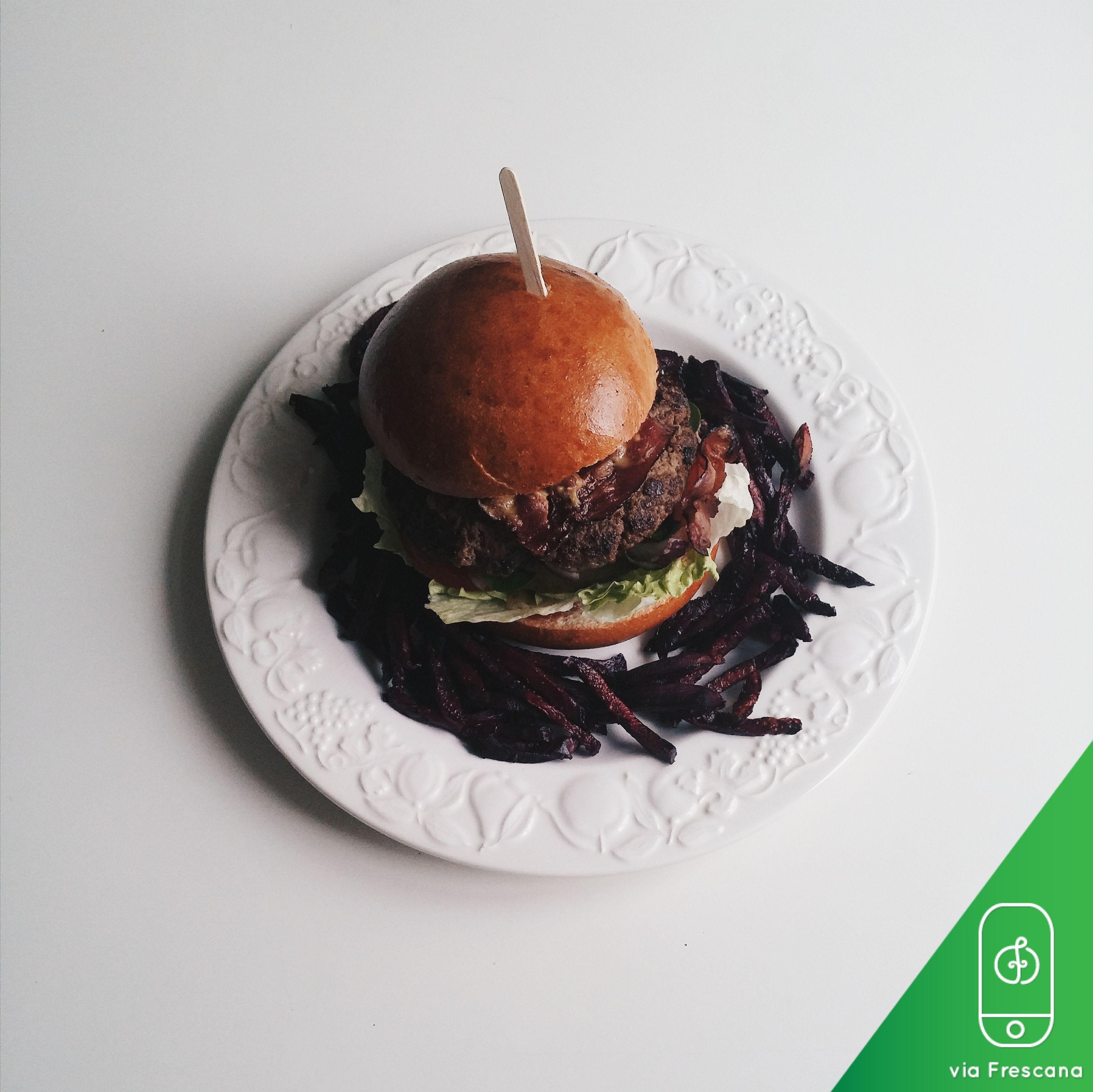 Gourmet Burger    #foodporn #foodie #frescana #foodphotography #foodies #foodlover #foodlovers   #gourmetburger