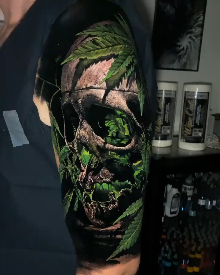 Skull tattoo by © Sandry Riffard