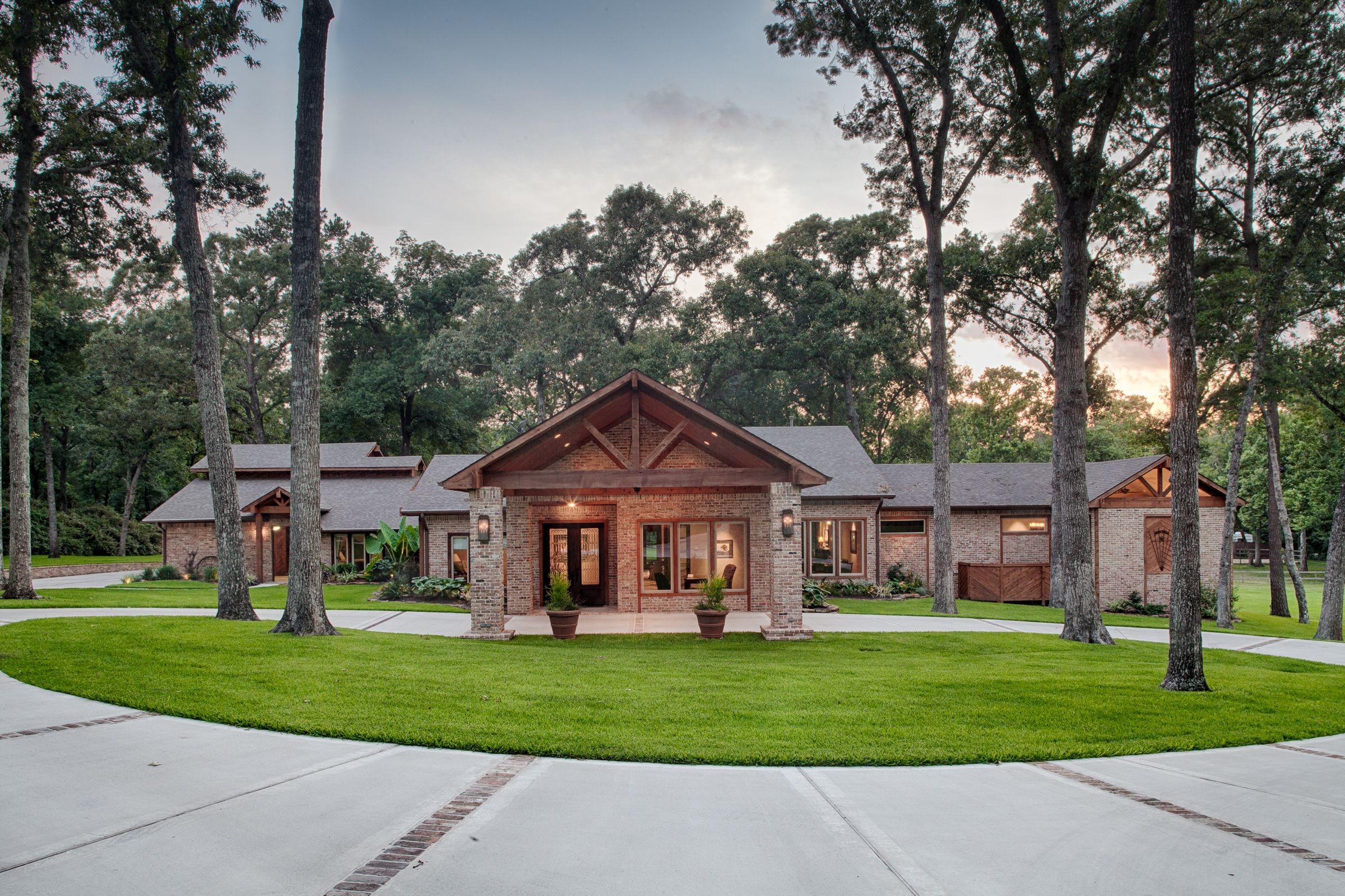 Addition facelift tomball transformation pinterest for Driveway addition ideas